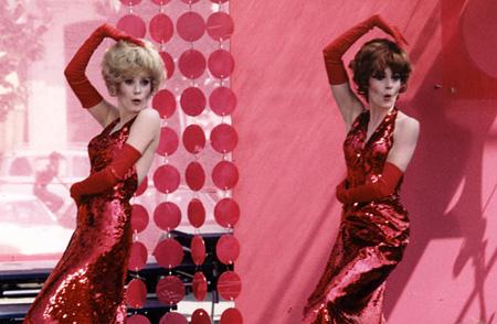 『ロシュフォールの恋人たち』カトリーヌ・ドヌーヴとフランソワーズ・オルレラック ©1996 - Ciné-tamaris