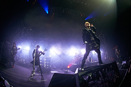 "『TOUR14 PSYCHONNECT -mode of ""GAUZE""?-』8月5日新木場STUDIO COASTでのライブ風景 撮影:尾形隆夫"