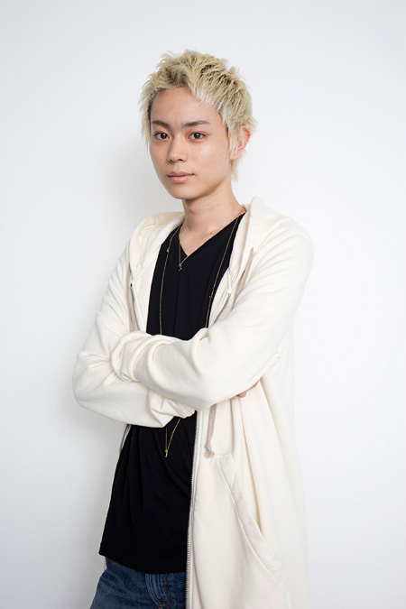 菅田将暉の男装姿 ©2014映画「海月姫」製作委員会 ©東村アキコ/講談社