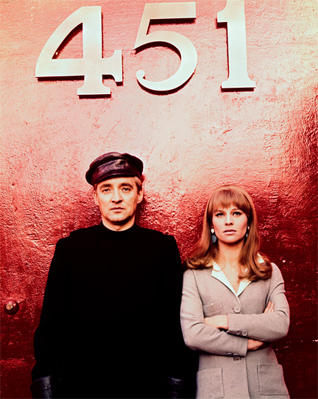 『華氏451』 © 1966 Vineyard Films, Ltd. All Rights Reserved.