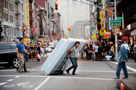 『ニューヨークの巴里夫(パリジャン)』 ©2013 Ce Qui Me Meut Motion Picture - CN2 Productions - STUDIOCANAL - RTBF - France 2 Cinéma