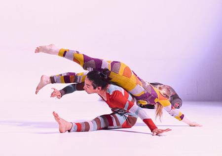 インバル・ピント&アブシャロム・ポラック・ダンスカンパニー『ウォールフラワー』2014年7月 Photo:Rotem Mizrahi