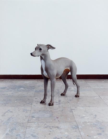 『untitled (IGH1)』2008年 漆、麻布、岩絵具、勝、黒曜石、etc. h.49×w.19×d.60cm 個人蔵 撮影:サトウ ノブタカ