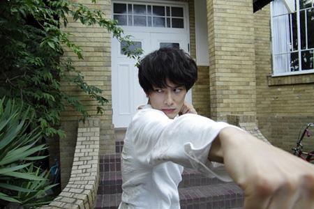 『ストレイヤーズ・クロニクル』より岡田将生 ©2015「ストレイヤーズ・クロニクル」製作委員会