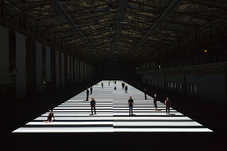 『test pattern [100m version]』, audiovisual installation, 2013 ©Ryoji Ikeda, photo by Wonge Bergmann, courtesy of Ruhrtriennale 2013