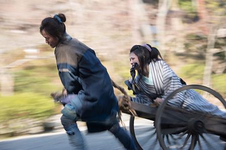 『駆込み女と駆出し男』 ©2015「駆込み女と駆出し男」製作委員会
