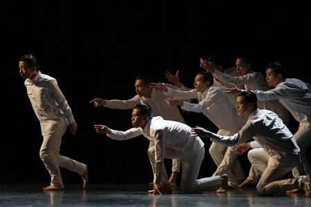 『バラーレ』製作発表時のダンス公演より 撮影:岡本隆史