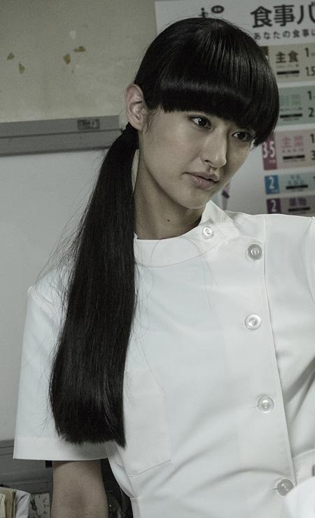 直美役のシシド・カフカ ©2015「Zアイランド」製作委員会