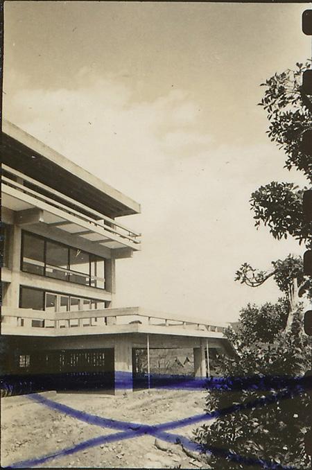 倉吉市庁舎(鳥取県倉吉市、1957年)1957年撮影 ©丹下健三