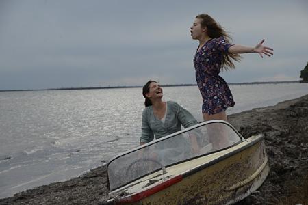 『呼吸 ―友情と破壊 / Respire』(監督:メラニー・ロラン)