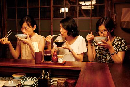 『映画「深夜食堂」』 ©2015安倍夜郎・小学館/映画「深夜食堂」製作委員会
