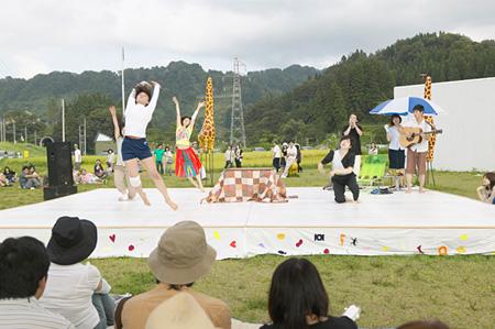 『こたつ×こたつ』より 越後妻有アートトリエンナーレ2009 大地の芸術祭参加作品