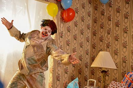 『クラウン』 ©2014 Vertebra Clown Film Inc.