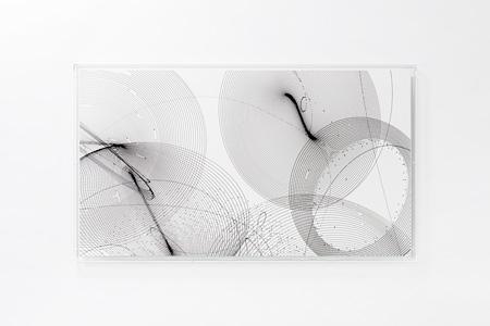 『Moment#18』2014年、紙にアクリル、h.90.8×w.158.0×d.4.7cm、撮影:表恒匡