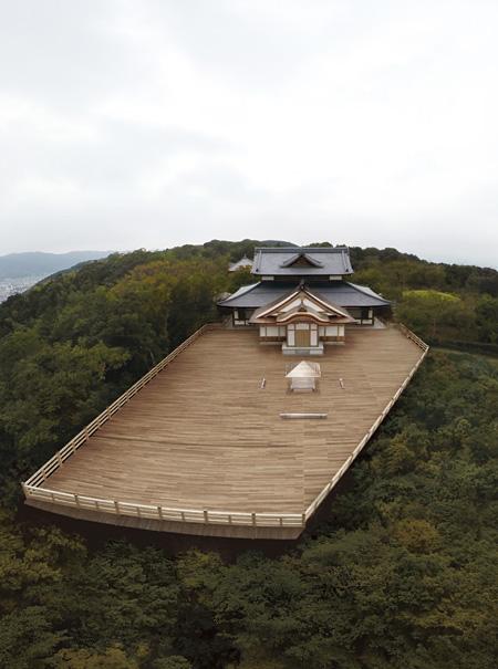 『吉岡徳仁 ガラスの茶室 - 光庵』将軍塚青龍殿での展示イメージビジュアル