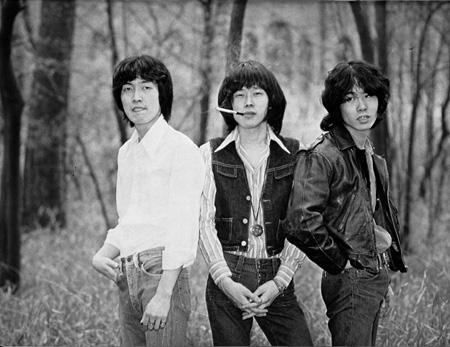 20代前半のRCサクセション(左から破廉ケンチ、忌野清志郎、小林和生)