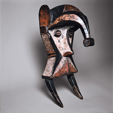 オボド・エニイ仮面 イボ(ナイジェリア)Ogbodo Enyi Mask, Igbo(Nigeria) ©musée du quai Branly, photo Sandrine Expilly