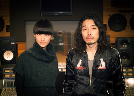 シシド・カフカ、斉藤和義