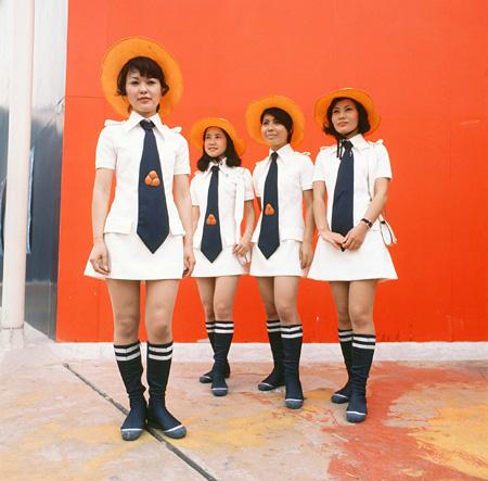 コシノジュンコ『生活産業館 ホステス ユニフォーム(夏服)』1970年 写真提供:大阪府