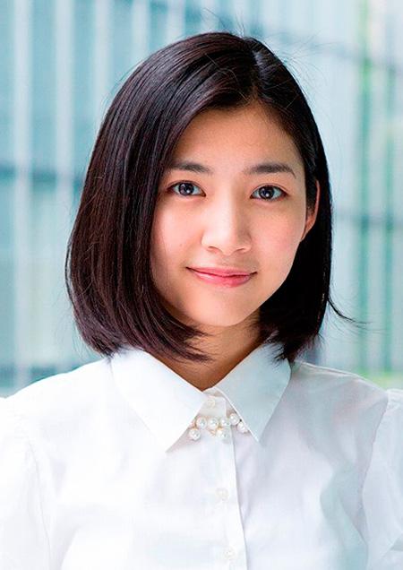 アルル役の伊藤梨沙子