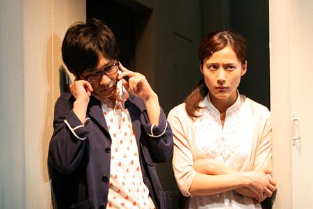 『プランクトンの踊り場』(2010年)左から安井順平、伊勢佳世 撮影:田中亜紀