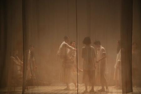 『cocoon』2013年8月舞台写真 撮影:飯田浩一