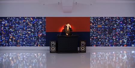 宇川直宏『DJ JOHN CAGE & THE 1000 WORLD WIDE DJS』2014