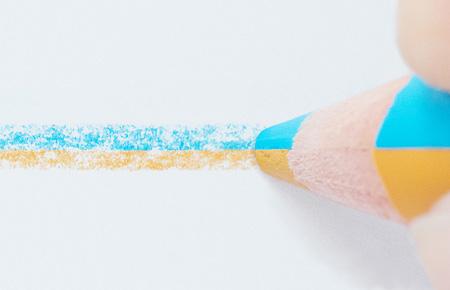 『地平線を描く鉛筆』 ©Yasuhiro Suzuki 撮影:青木遥香