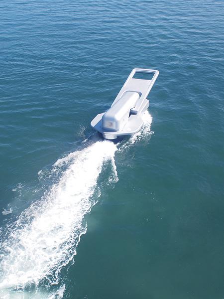 『ファスナーの船』 ©Yasuhiro Suzuki