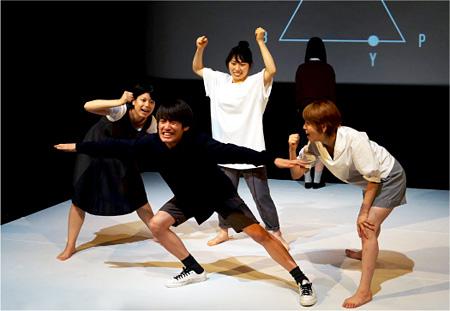 チーム夜営『yとxの事情』王子小劇場(2014年)