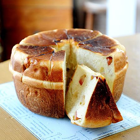 「王様のパン」の「鍋パン」