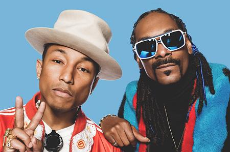 左からファレル・ウィリアム、Snoop Dogg