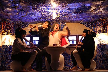 庭劇団ペニノ『大きなトランクの中の箱』 撮影:田中亜紀