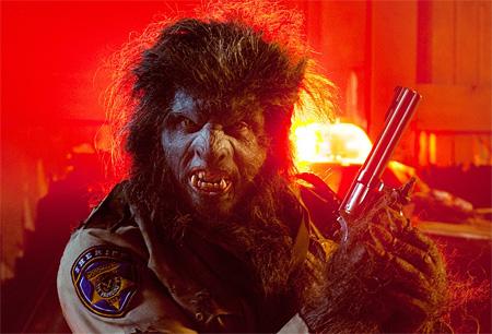 『ウルフ・コップ』 ©2014 Wolf Cop Productions Inc.