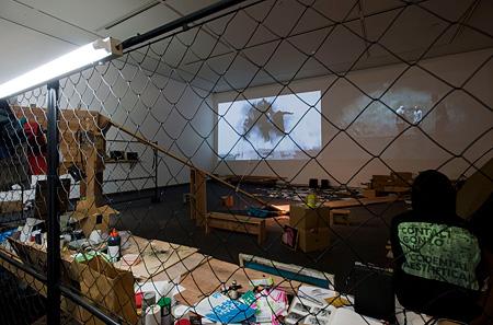contact Gonzo 展示風景「風穴 もうひとつのコンセプチュアリズム、アジアから」2011年/国立国際美術館 Photo by Kazuo Fukunaga