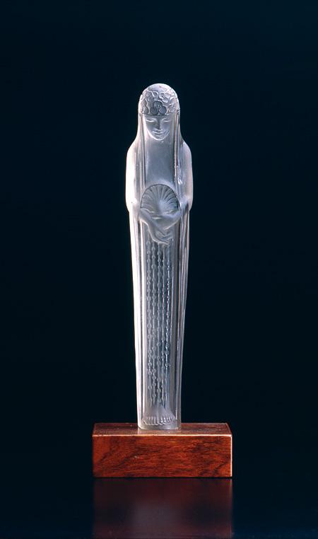 立像『ガラテ・噴水の泉』ルネ・ラリック 1924年 大村美術館(角館)蔵