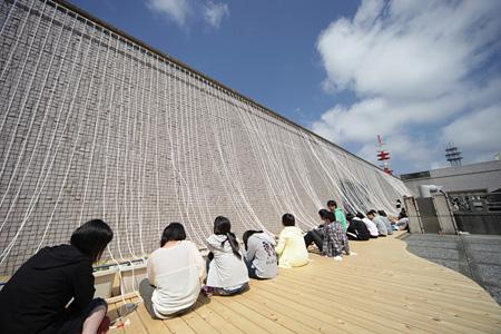 日比野克彦『明後日朝顔プロジェクト2014 苗植え風景』参加型プロジェクト
