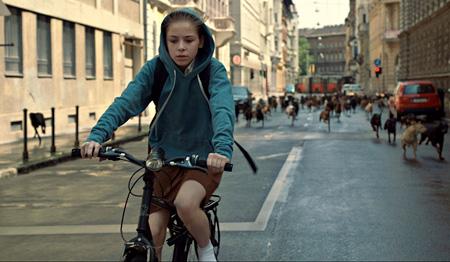 『ホワイト・ゴッド 少女と犬の狂詩曲』 2014 ©Proton Cinema, Pola Pandora, Chimney