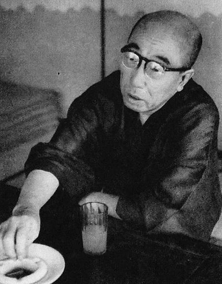 江戸川乱歩 毎日新聞社「毎日グラフ(1954年10月13日号)」より