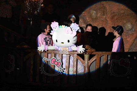 2014年に開催された『PINK sensation HALLOWEEN PARTY~Hello Kitty 40th ANNIVERSARY BASH!~』の様子