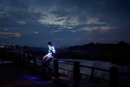 アピチャッポン・ウィーラセタクン『Power Boy (Mekong)』2011 Courtesy of SCAI THE BATHHOUSE, ©Apichatpong Weerasethakul