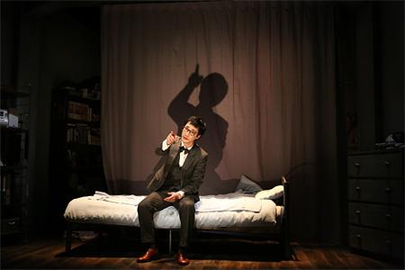 カタルシツ『地下室の手記(2015年)』安井順平 撮影:田中亜紀