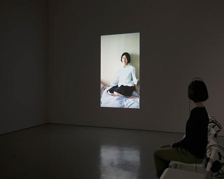 川村麻純『Mirror Portraits』2013 資生堂ギャラリー インスタレーションビュー ©加藤健 ken kato