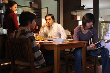 『トウキョウソナタ』 ©Fortissimo Films/「TOKYO SONATA」製作委員会