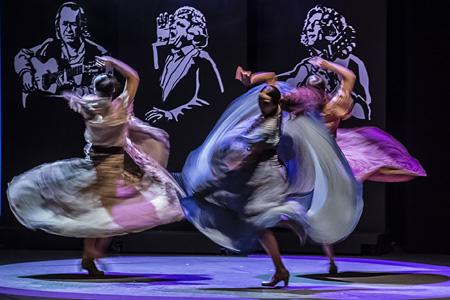 サラ・バラス『ボセス フラメンコ組曲』©Jullete Valtinedas