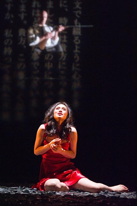 『猟銃』2011年初演時の公演風景 撮影:阿部章仁