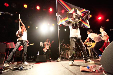 中村一義の新バンド「海賊」 2015年9月11日に開催された東京・恵比寿LIQUIDROOM公演の模様