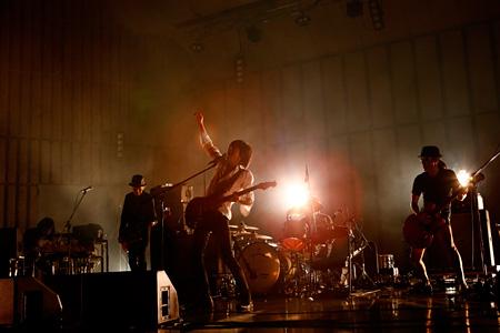 エレファントカシマシ 2015年9月27日に開催された『日比谷野外大音楽堂2015』より