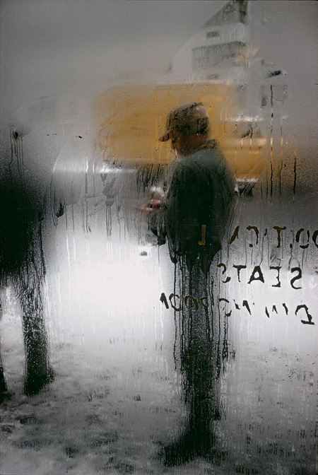 ソール・ライター作品『Snow』(1960) ©Saul Leiter Foundation/Courtesy Howard Greenberg Gallery.