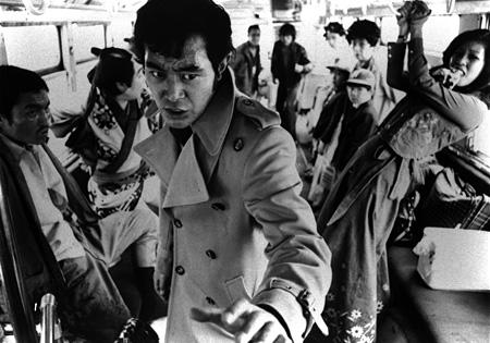 『狂った野獣』 ©東映